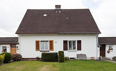 """Haus in der Arbeitersiedlung """"Dahlhauser Heide"""" in Bochum - p105m1025448 von André Schuster"""