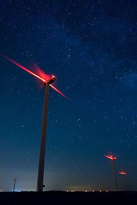 Windkraft, Frankreich - p1079m1074173 von Ulrich Mertens