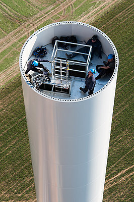 Aufbau eines Windrades - p1079m880927 von Ulrich Mertens