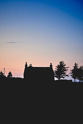 Silhouette Haus - p1124m1491361 von Willing-Holtz