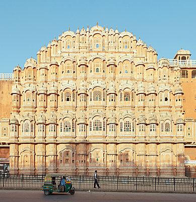 Palast der Winde in Jaipur - p1259m1111427 von J.-P. Westermann