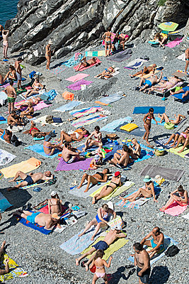 Urlauber am Strand - p1292m1474936 von Niels Schubert