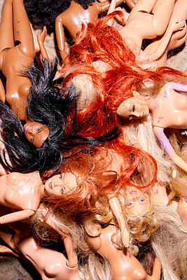 Naked dolls - p1540m2295321 by Marie Tercafs