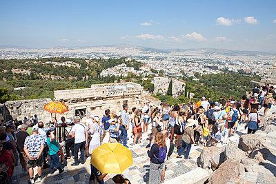 Crowded Akropolis - p454m2177767 by Lubitz + Dorner