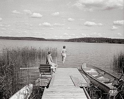 Ins Wasser springen - p1030m776912 von Marius Schultz