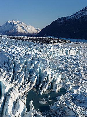 Brim of the Knik Glacier - p356m814563 by Stephan Zirwes