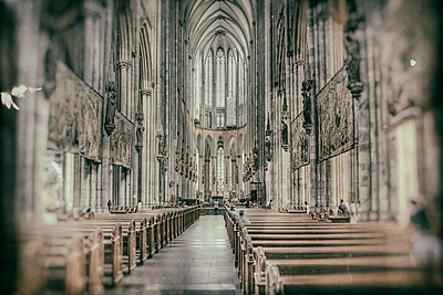 Cologne Cathedral interior view - p401m2128118 by Frank Baquet