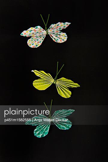 Papierschmetterlinge - p451m1582555 von Anja Weber-Decker