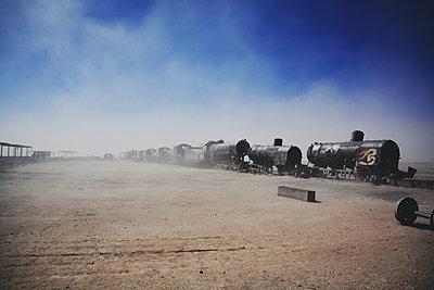 Lokfriedhof in Wüste - p1249m1137804 von Marcokd