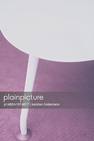 Moderner Designer-Tisch - p1482m1574817 von karsten lindemann