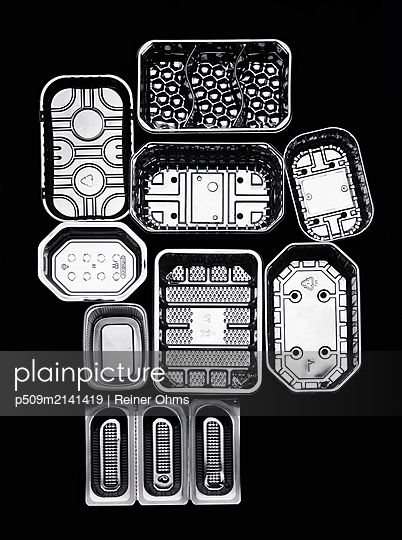 Single use packaging - p509m2141419 by Reiner Ohms