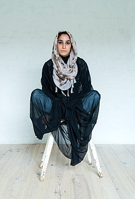 Junge muslimische Frau - p427m1463402 von R. Mohr