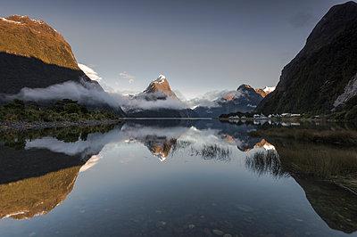 Mitre Peak, Milford Sound, Fiordland National Park, UNESCO World Heritage Site, South Island, New Zealand - p871m2068573 by Ed Rhodes