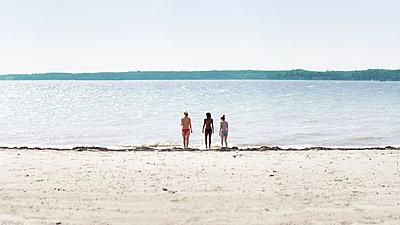 Drei Strandschönheiten - p1247m1091175 von Hannes S. Altmann