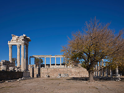 Turkey, Bergama, Acropolis and Theatre of Pergamon - p390m2253118 by Frank Herfort