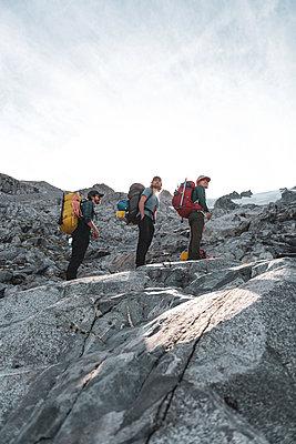 Climbers on Tantalus Traverse, a classic alpine traverse close to Squamish, British Columbia, Canada - p924m2271161 by Alex Eggermont