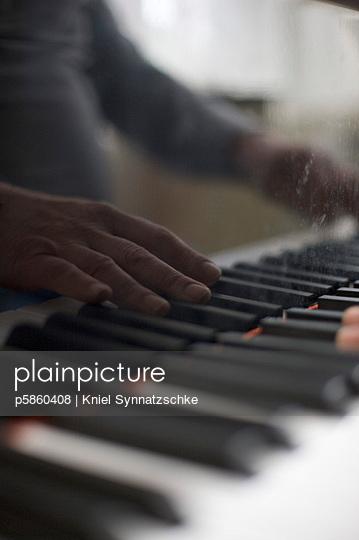 Sound - p5860408 by Kniel Synnatzschke