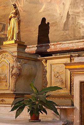 Schattenspiel einer Statue - p4970119 von Guntram Walter