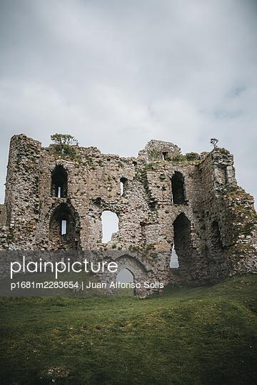 Ireland, Ruin, Castle Roche - p1681m2283654 by Juan Alfonso Solis