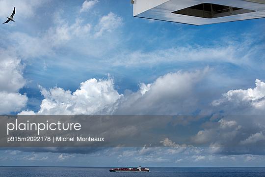 Frachtschiff - p915m2022178 von Michel Monteaux