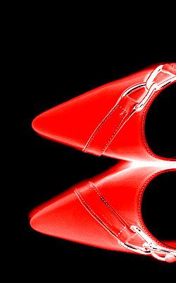 Rote Schuhe - p4500018 von Hanka Steidle