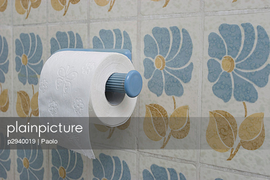 Toilet paper - p2940019 by Paolo