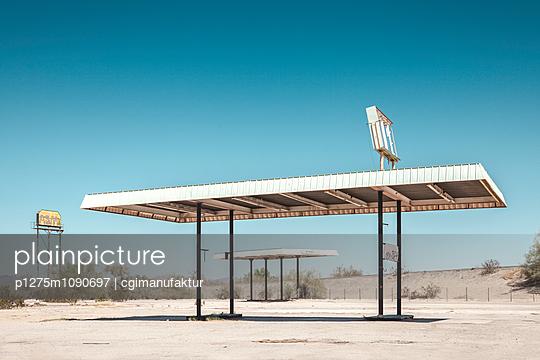 Tankstelle, Blythe, Mojave-Wüste - p1275m1090697 von cgimanufaktur