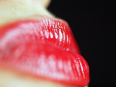 Lush lips - p1072m828940 by Clive Branson