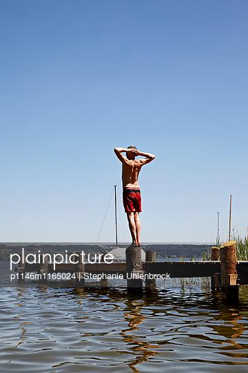 Mann am See - p1146m1165024 von Stephanie Uhlenbrock