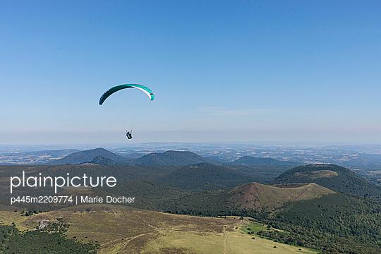 Chaîne des Puys - p445m2209774 by Marie Docher