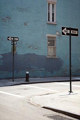 New Yorker Straße - p415m661192 von Tanja Luther