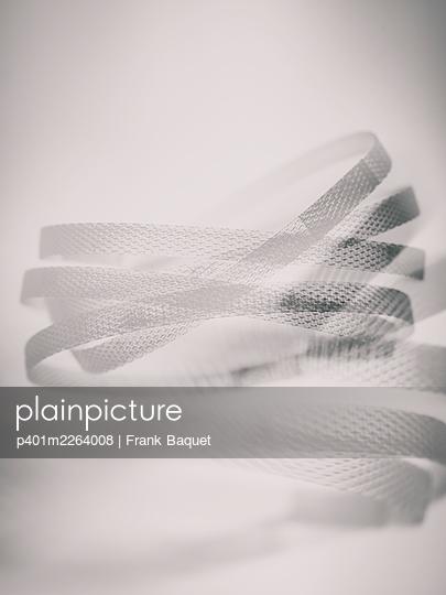Plastic straps - p401m2264008 by Frank Baquet