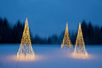 Weihnachtsstimmung mit Schnee - p533m1451891 von Böhm Monika