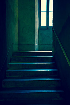 Stairs and window light - p1170m967816 by Bjanka Kadic