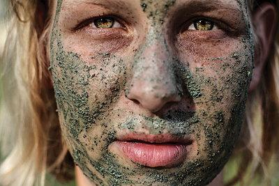 Gesichtsmaske - p1247m1057563 von Hannes S. Altmann