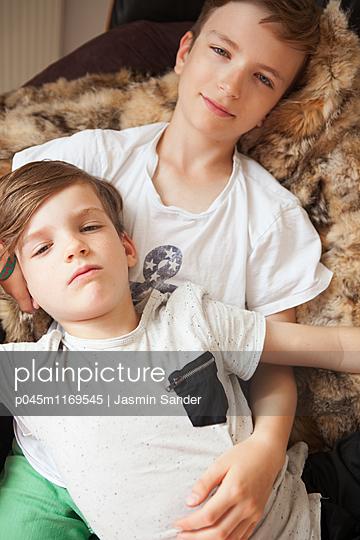 Brüder - p045m1169545 von Jasmin Sander