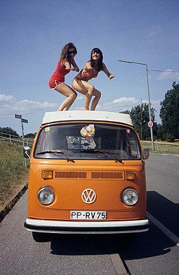 Auf dem Dach surfen - p0450506 von Jasmin Sander