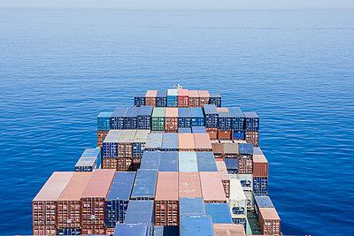 Container auf einem Containerschiff - p1157m1041459 von Klaus Nather