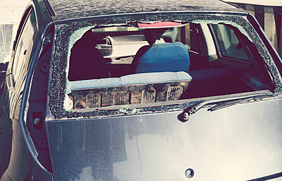 smashed rear window - p1072m1105388 by Dona