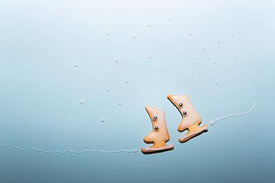 Ice skating - p454m2210192 by Lubitz + Dorner