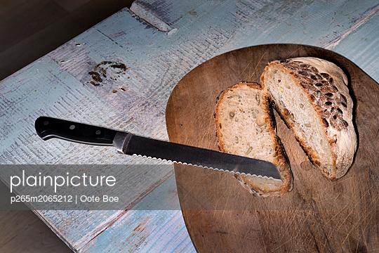 Fresh bread - p265m2065212 by Oote Boe