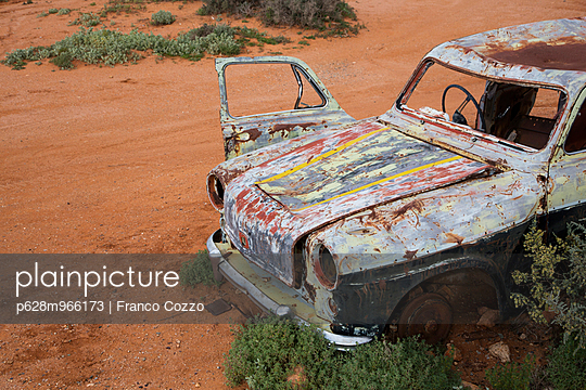 Old car - p628m966173 by Franco Cozzo