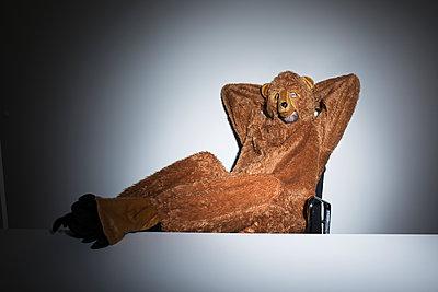 Lässiger Bär - p341m1214611 von Mikesch