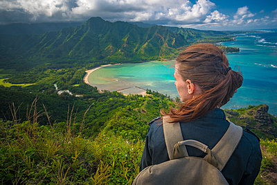Hiker contemplating idyllic coastal view - p343m1446791 by mallory roe