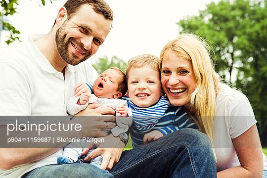 Familienportrait - p904m1159687 von Stefanie Neumann