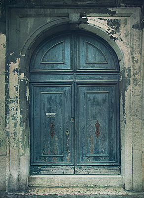 Blue Door - p984m1123695 by Mark Owen