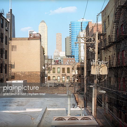 View on  Chicago buiding - p1610m2181522 by myriam tirler