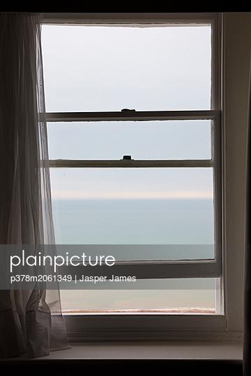 p378m2061349 von Jasper James