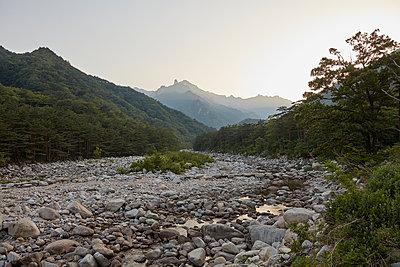 Korea, Sokcho, Seoraksan National park - p1492m2178675 by Leopold Fiala
