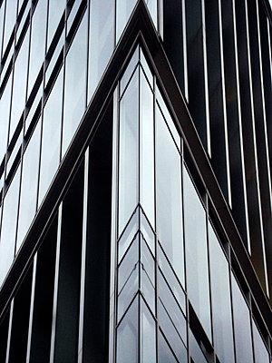 Glasstower - p9790942 by Rettschlag